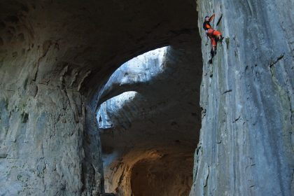 Grotte Prohodna, Karlukovo