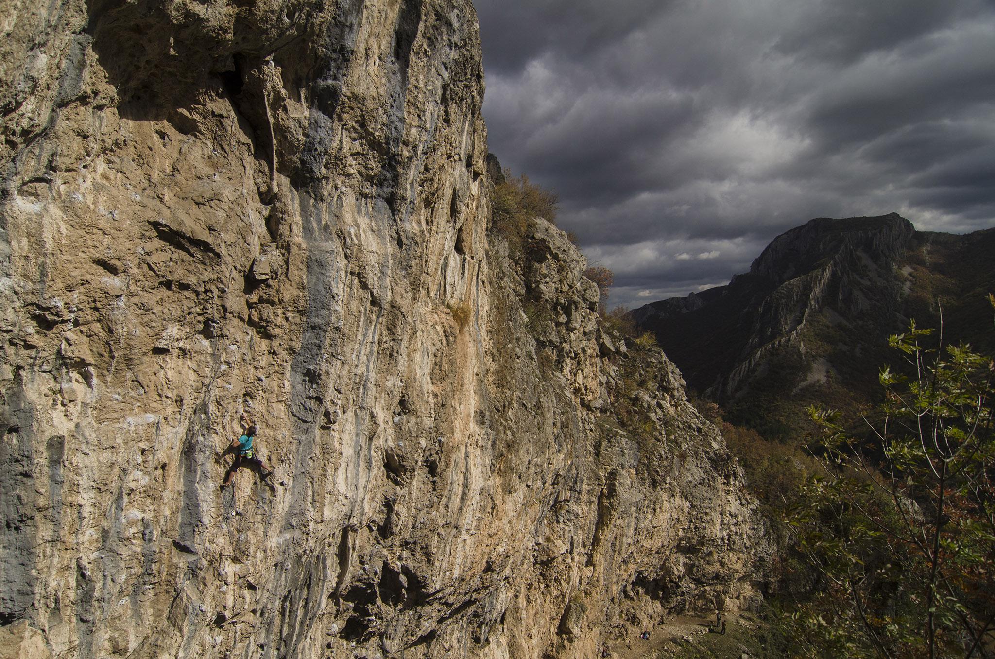 Malka dupka, little cave, vratsa